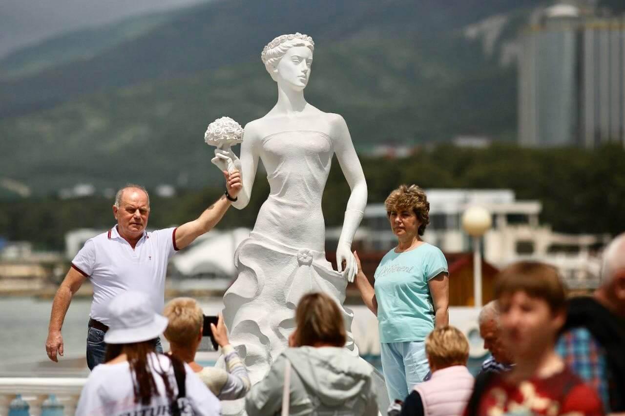 За два дня нового курортного сезона Геленджик посетили 82 тыс. туристов