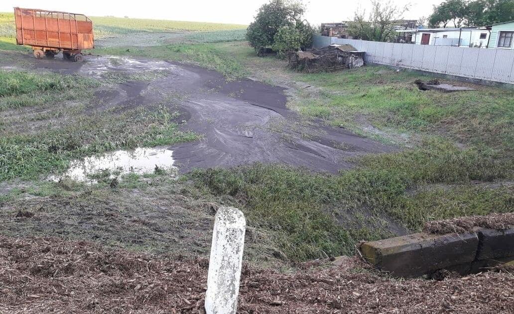 В Каневском районе из-за непогоды затопило балку