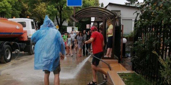 Последствия сильного ливня в Лазаревском районе Сочи ликвидировали за час