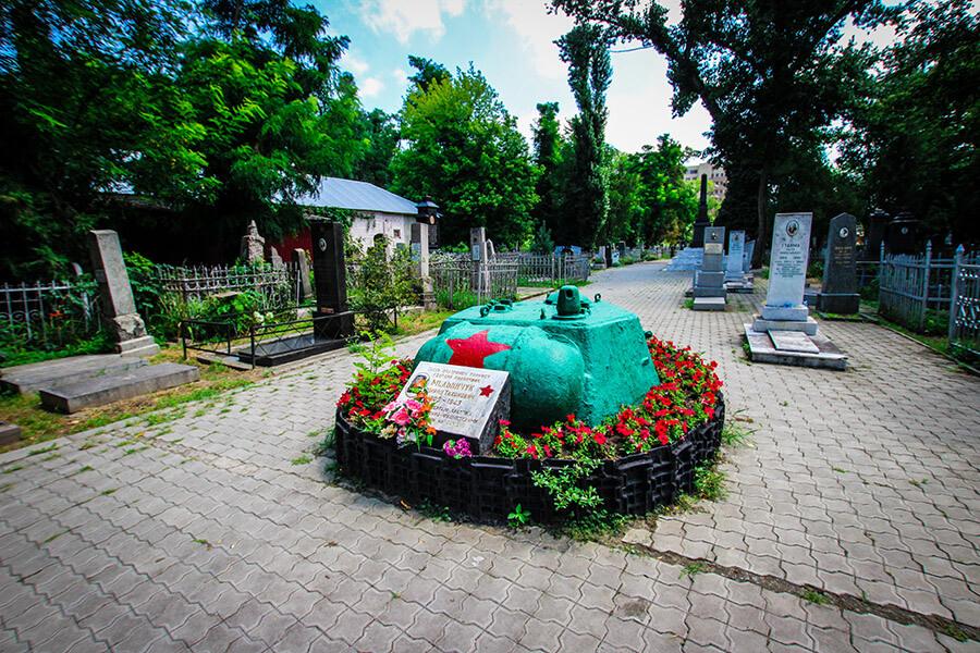 В Краснодаре готовят новый проект по реконструкции Всесвятского кладбища