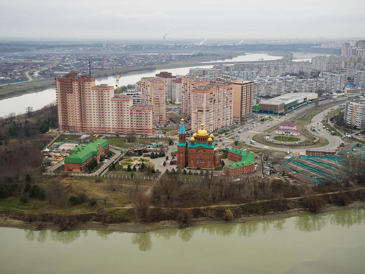 В Краснодаре геологи выяснят причину просадки набережной в Рождественском парке