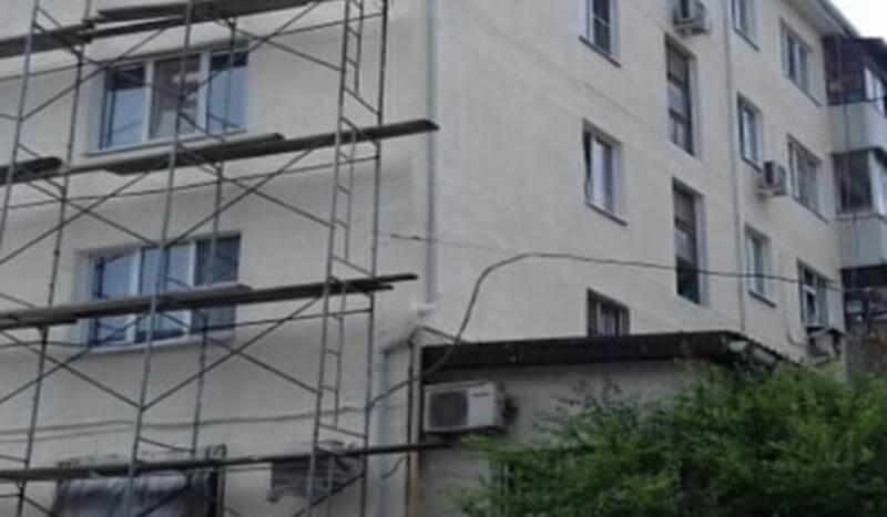 В Новороссийске во время капремонта в домах заменят аварийные балконные плиты