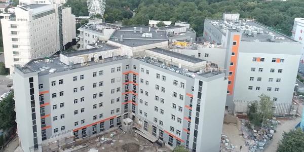 Новый корпус детской краевой больницы в Краснодаре готов на 62%