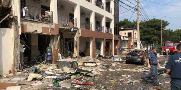 В Геленджике минимум пять домов оказались повреждены после хлопка газа