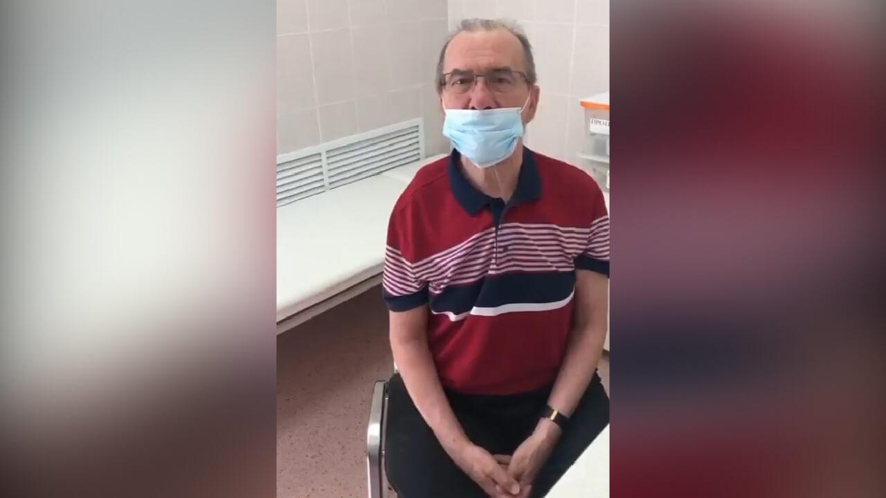 Худрук Кубанского казачьего хора Захарченко сделал прививку от коронавируса