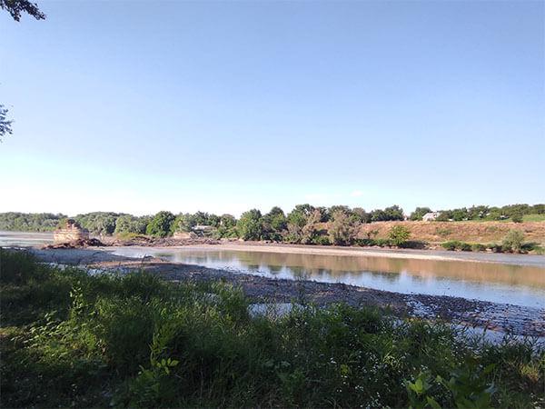 Под Армавиром в реке нашли тело убитого мужчины