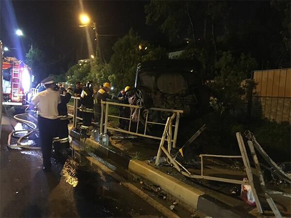 В Сочи после ДТП спасателям пришлось вырезать из разбитой иномарки тело водителя