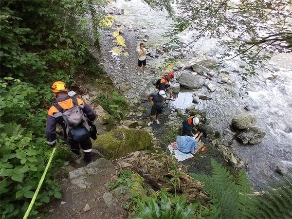 В Сочи туристка поскользнулась на горной тропе и упала со склона