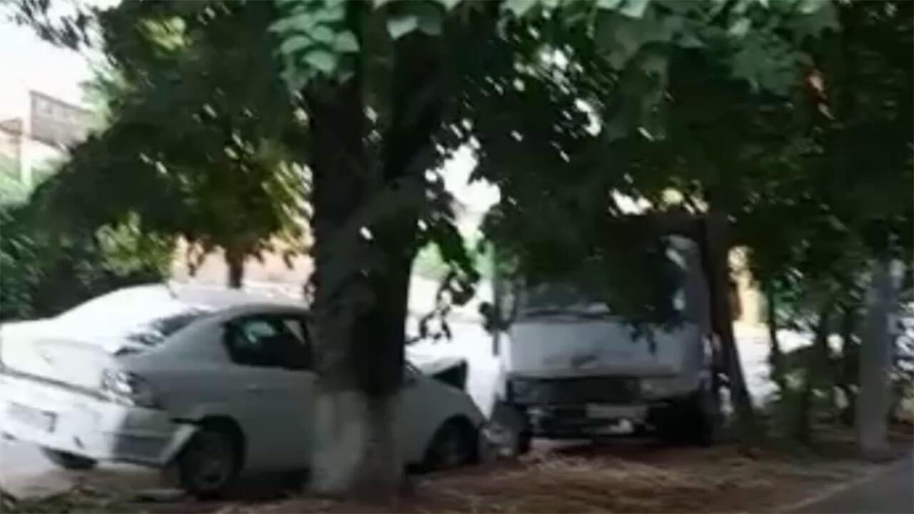 В Краснодаре парень без прав на чужом Range Rover разбил 5 припаркованных машин