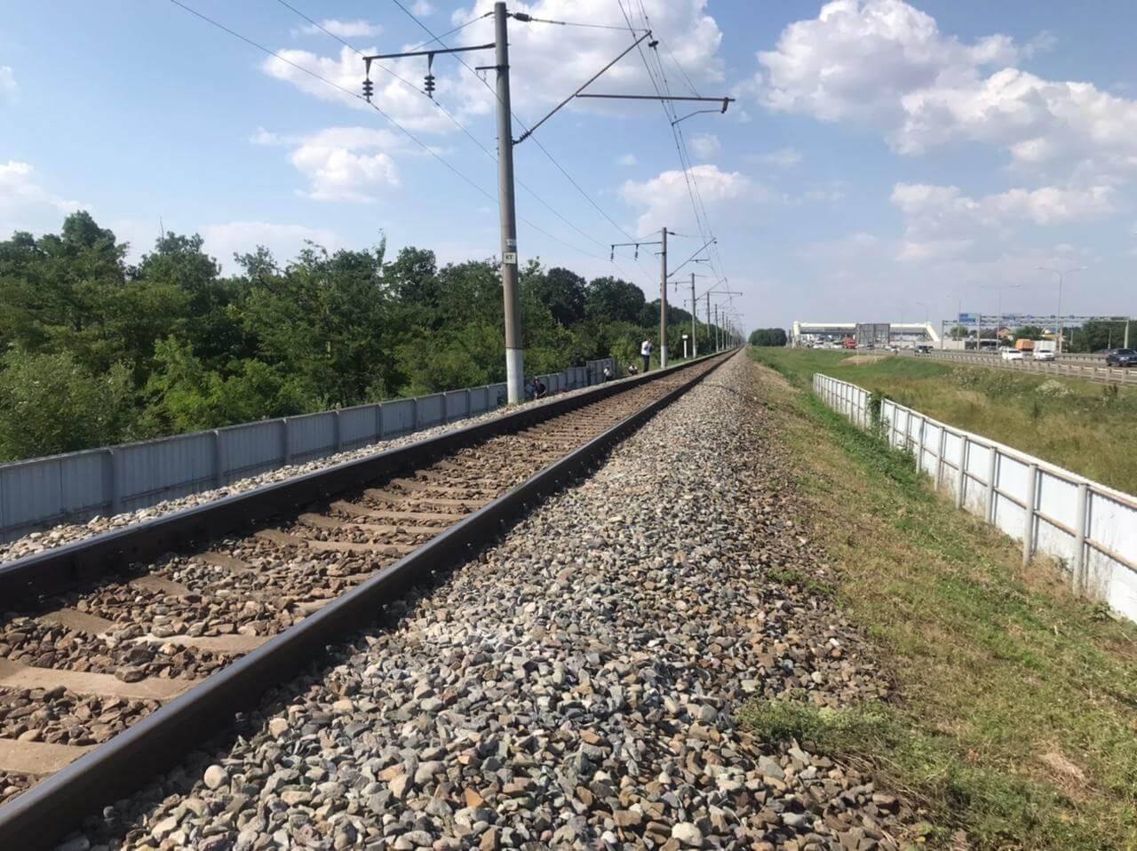 В Краснодаре электричка сбила 12-летнюю девочку