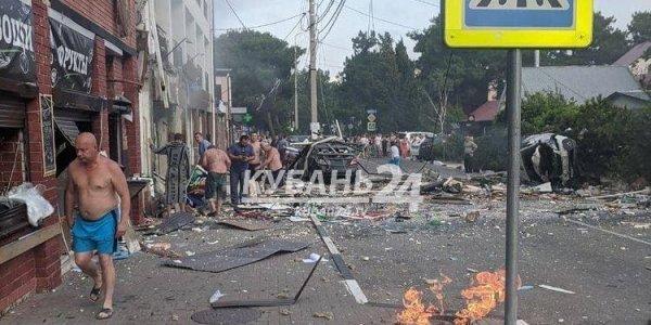 СМИ: в результате сильного взрыва в Геленджике погиб человек