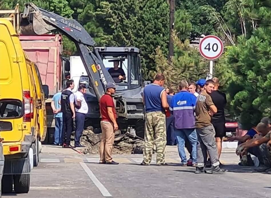 В результате ЧП в гостинице Геленджика повреждения получили 16 близлежащих домов