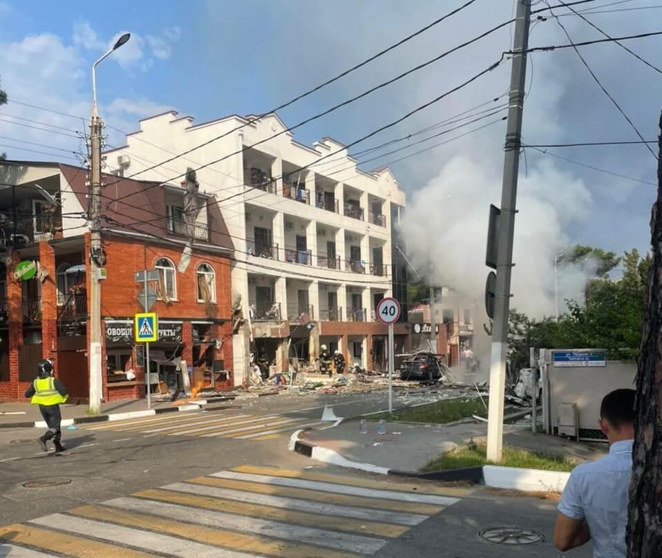 В Геленджике после хлопка бытового газа в гостинице ввели локальный режим ЧС
