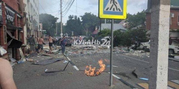 В Геленджике около отеля «Азария» произошел сильный взрыв