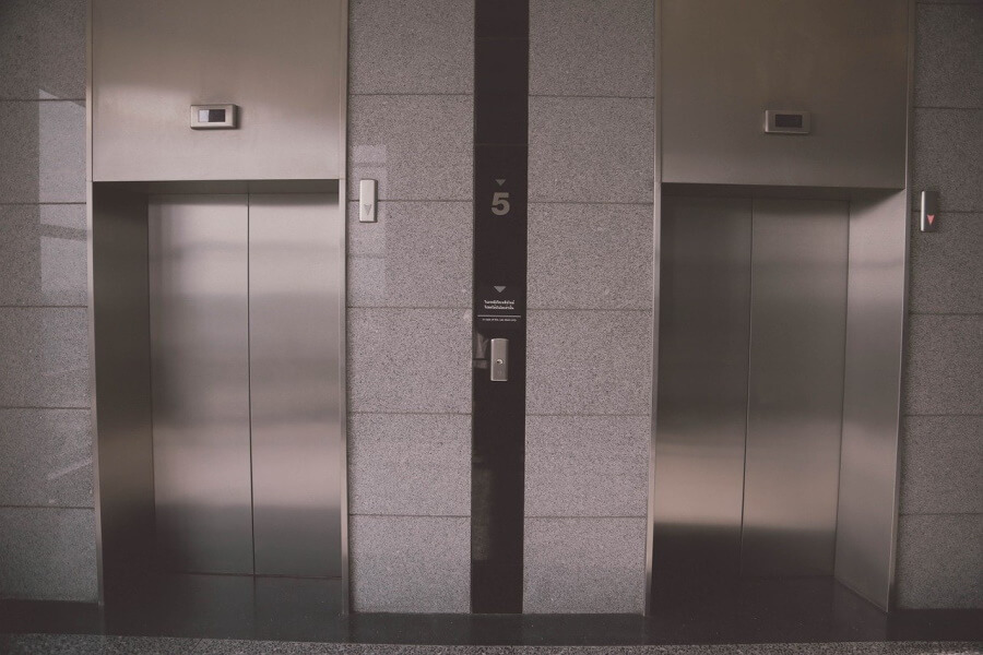 В Краснодаре с начала года заменили 11 лифтов в пяти многоквартирных домах