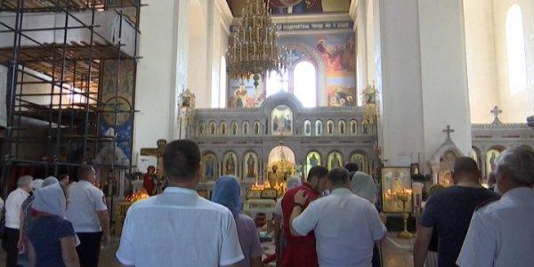 В Краснодаре 8 июля 30 казачьих семей почтили память святых Петра и Февронии