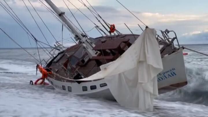 На Кубани устраняют последствия сильнейшего циклона