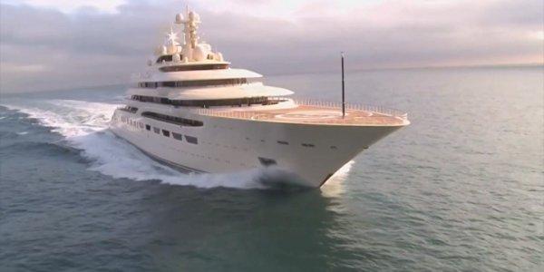 В Сочи прибыла яхта миллиардера Алишера Усманова стоимостью 600 млн долларов