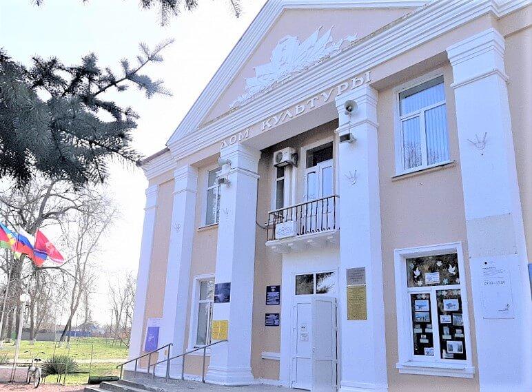 В Ленинградском районе по нацпроекту привели в порядок сельский ДК