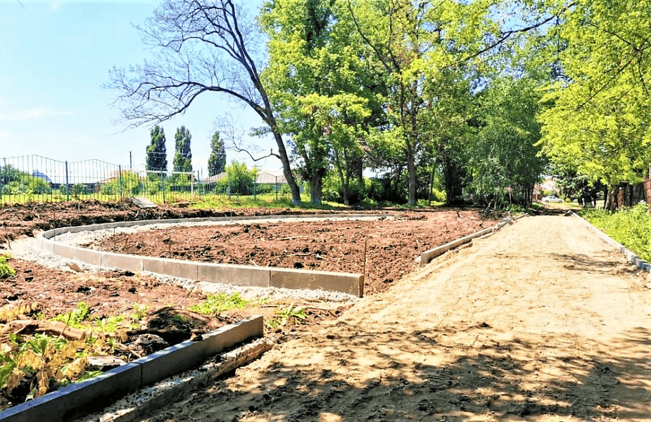 В Динском районе по нацпроекту до конца года обновят две общественные территории