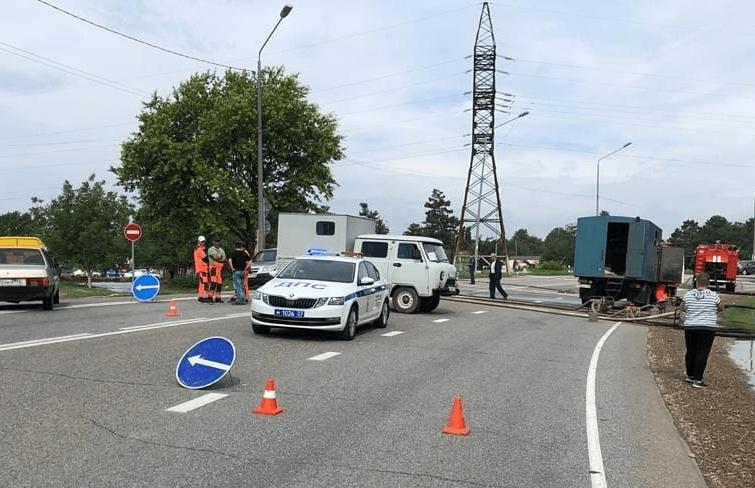 В Анапе из-за подтопления перекрыли участок федеральной трассы