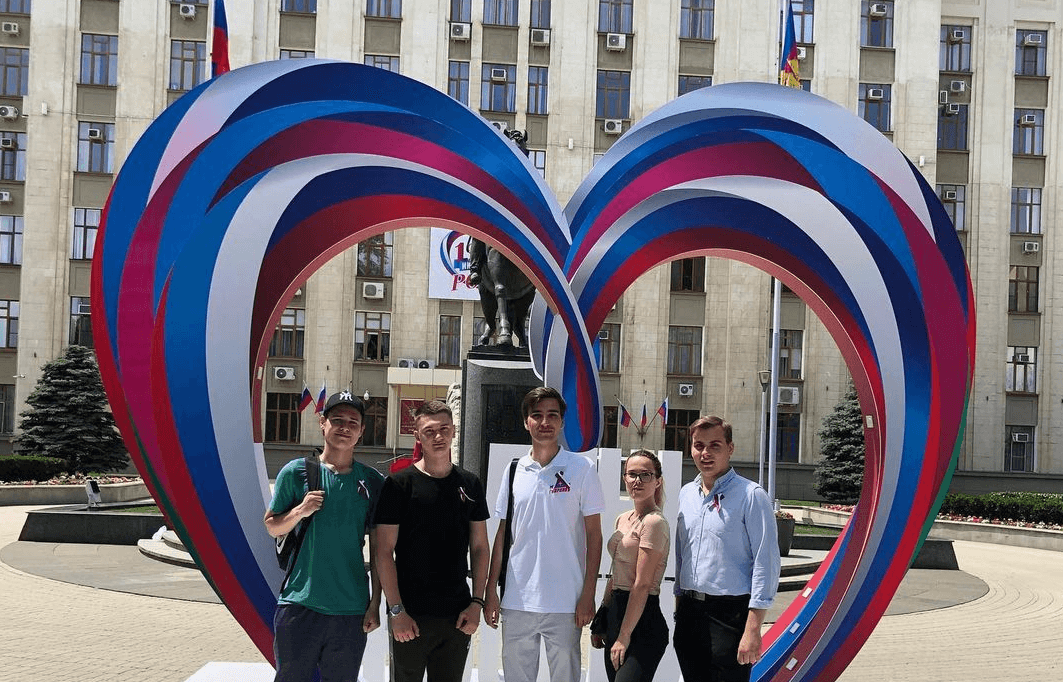 Волонтеры Кубани объединились, чтобы помочь пострадавшим от разгулявшейся стихии