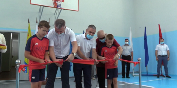 В Гулькевичском районе провели капремонт местного спортивного зала