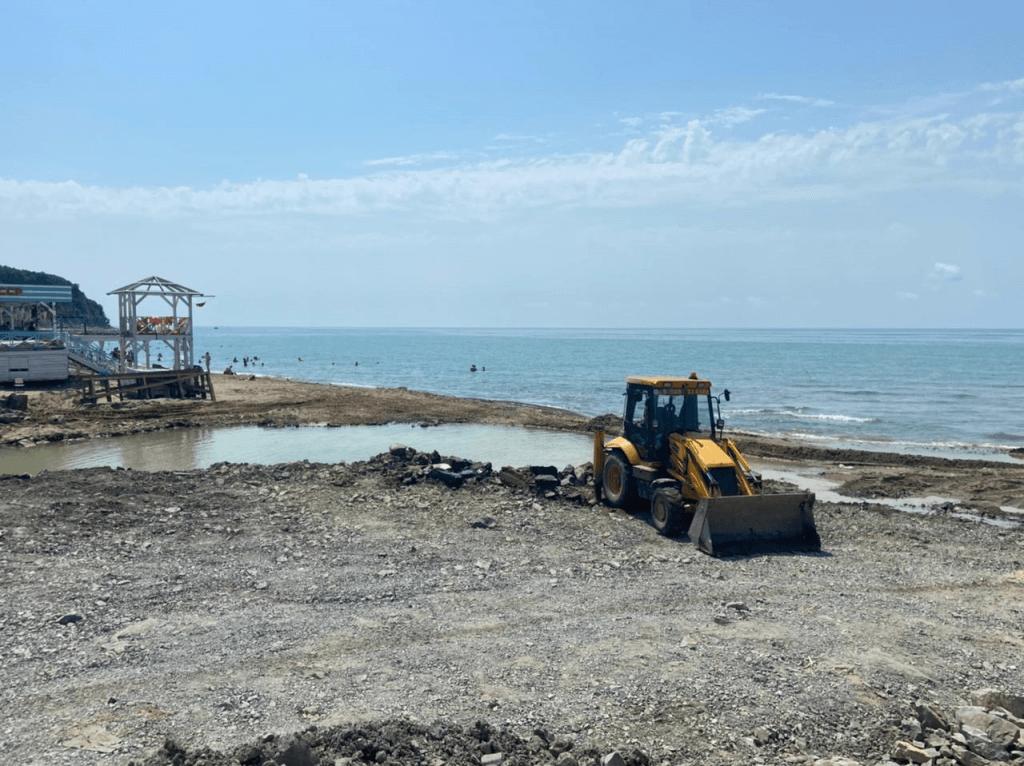 В Туапсинском районе все муниципальные пляжи очистили от мусора после ЧС