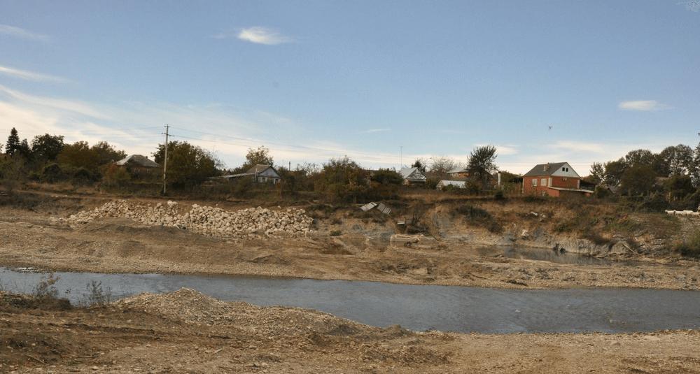 На Кубани расчистят русла рек на опасных участках