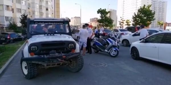 В Анапе приезжий водитель без прав организовал незаконный джиппинг для туристов