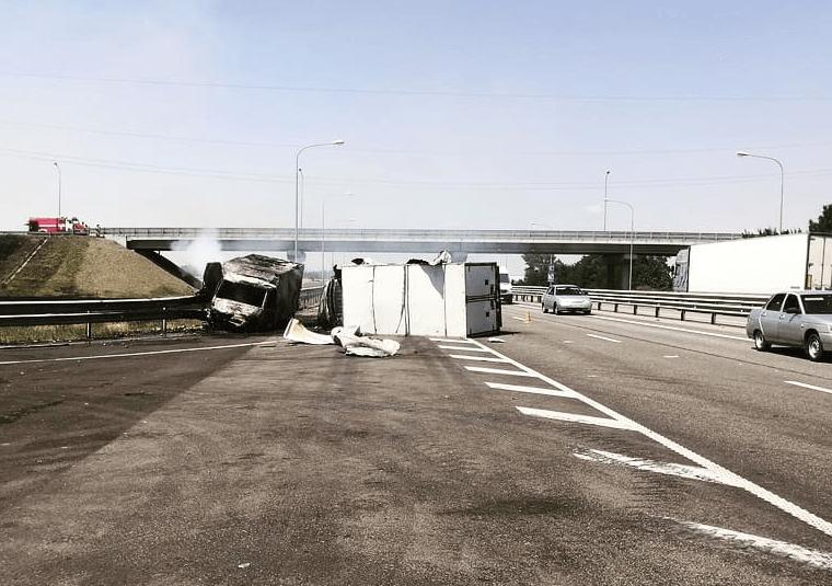 На Кубани после жесткой аварии в грузовой  «Газели» взорвался газовый баллон