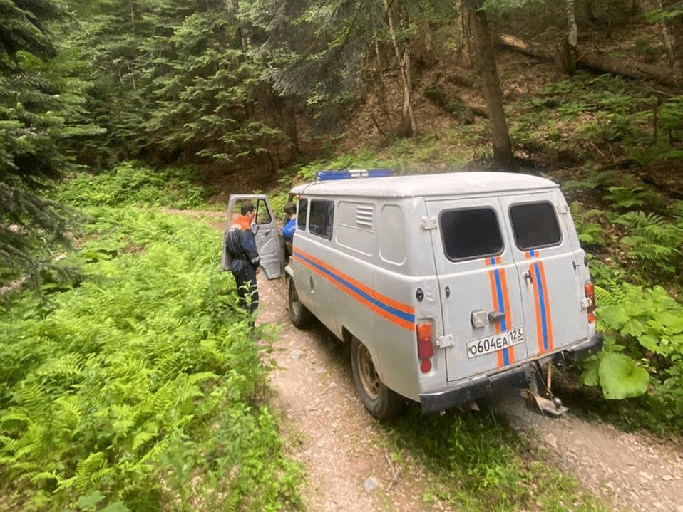 В Сочи спасатели нашли потерявшегося в лесу туриста из Хабаровска