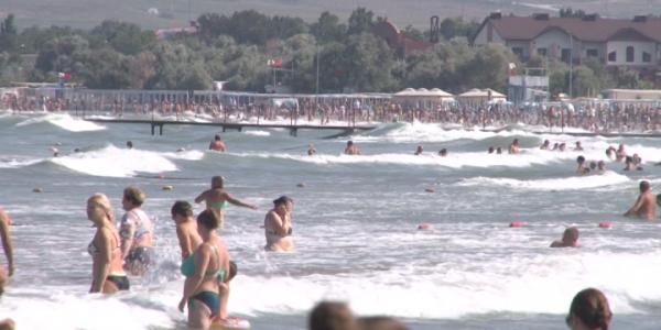 Запрет на купание установили на всех пляжах Анапы