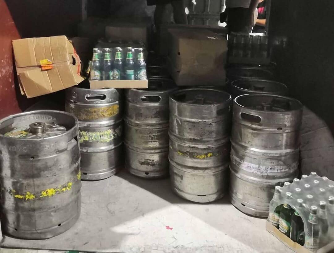 В Анапе остановили грузовик, перевозивший 1,8 тыс. литров пива без документов
