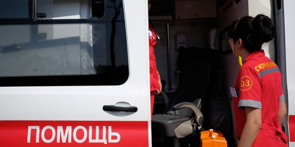 На Кубани женщина на легковушке сбила своего сына, ехавшего на электросамокате
