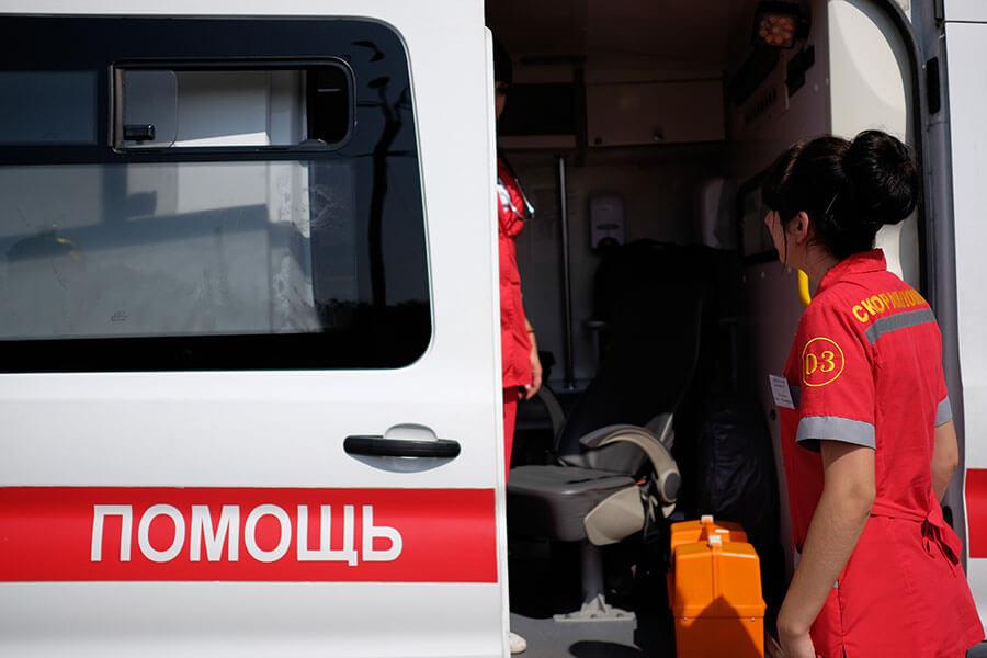 В Краснодаре три человека пострадали в потасовке на детской площадке
