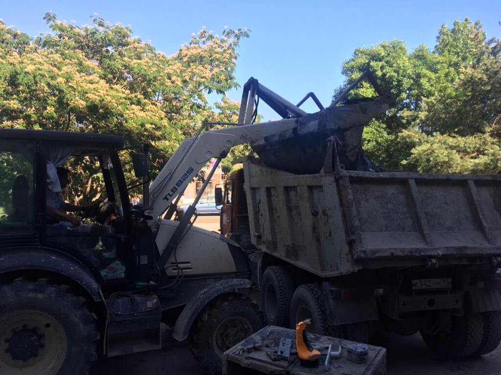 В Шепсинском поселении Туапсинского района расчистили от мусора дворы и дороги
