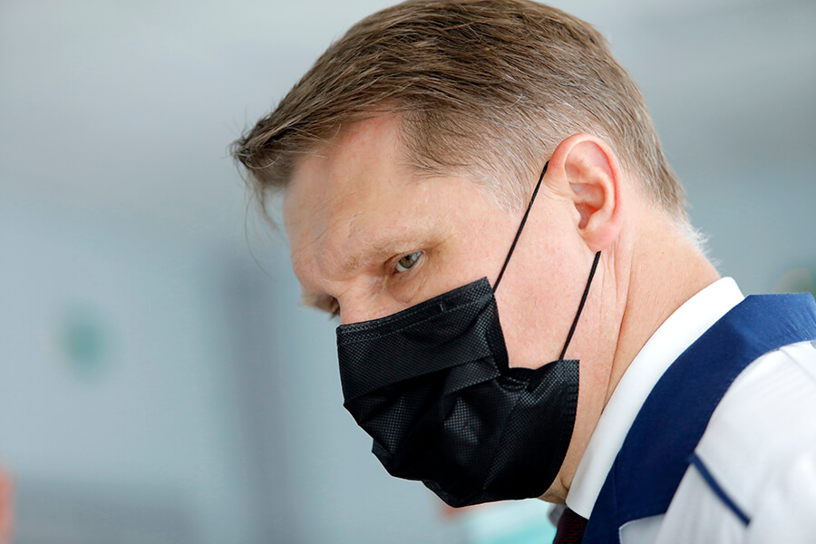 Мурашко рассказал, кому противопоказана вакцинация от коронавируса