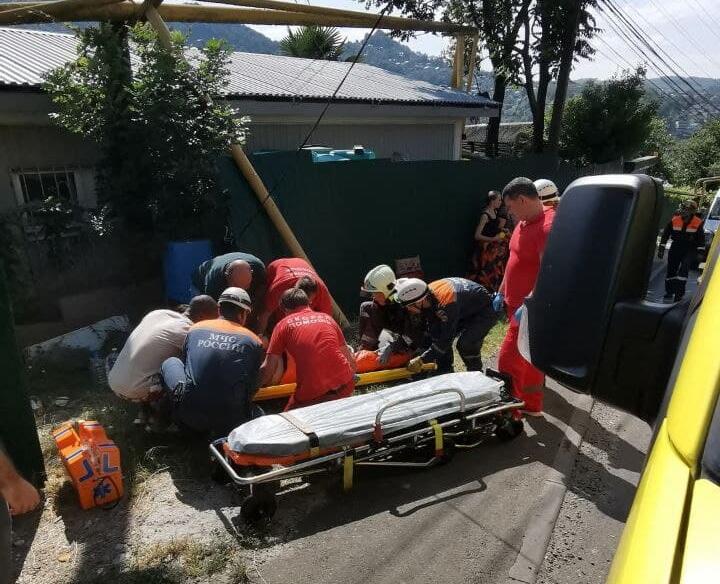 Пять пострадавших в ДТП с автобусом в Сочи остаются в больнице