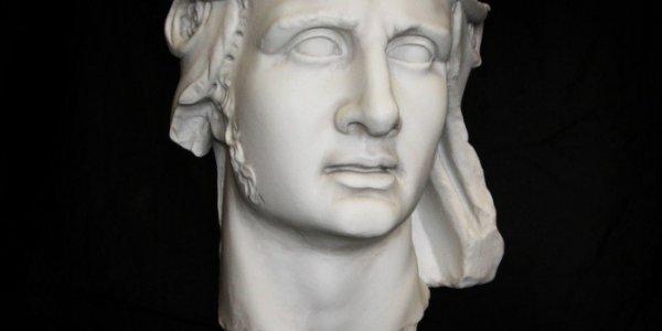 На Кубани напечатали 3D-копию единственного портрета древнего царя Митридата VI