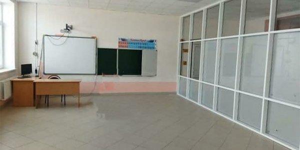 В мэрии Краснодара объяснили, почему в коридоре школы оборудовали учебный класс