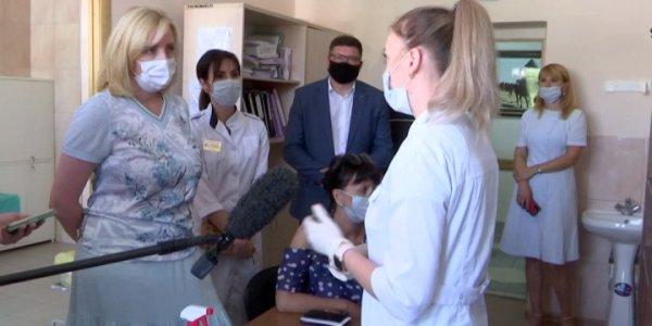 Анна Минькова посетила новый пункт вакцинации в Тимашевском районе