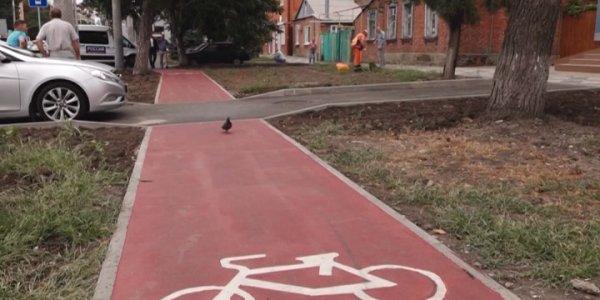 Мэр Краснодара Евгений Первышов оценил новые велодорожки на Северной