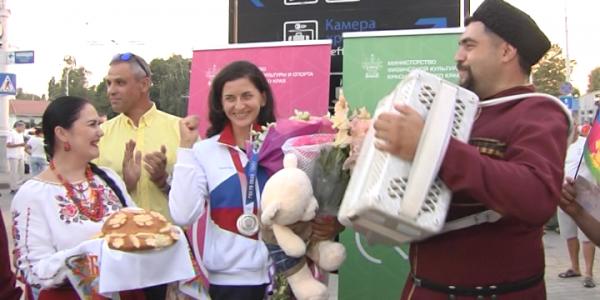Серебряный призер Олимпиады Елена Орябинская вернулась в Краснодарский край