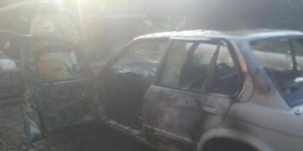 В Курганинске во дворе частного дома сгорел автомобиль BMW