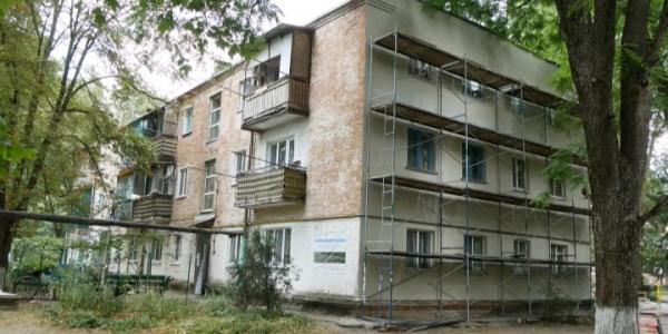 В Кореновском районе обновят фасады и кровлю 19 многоквартирных домов