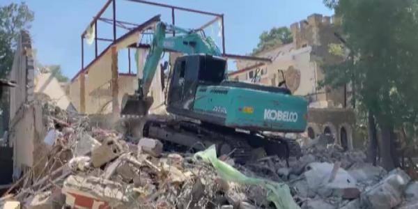 В Анапе снесли незаконно построенную базу отдыха площадью более 1 тыс. кв. м
