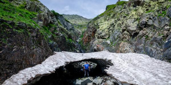 В Сочи девять дней ищут пропавшего в горах 30-летнего туриста