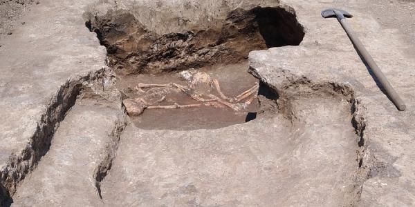 В Динском районе исследуют четыре древних кургана