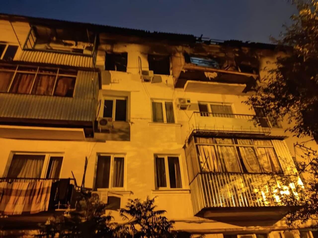 В Краснодаре из-за хлопка бытового газа произошел пожар в многоэтажке